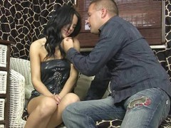 Teenager virgin shows her doting left-hand muff be required of the livecam